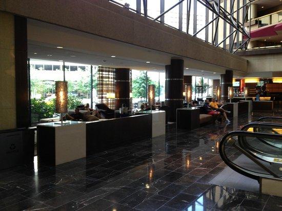 Hyatt Regency Crystal City at Reagan National Airport: Lobby sitting area