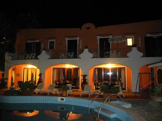 Aragonese : Hotel