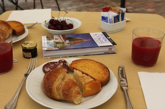 Relais La Leopoldina: Selectie van het heerlijke ontbijtbuffet