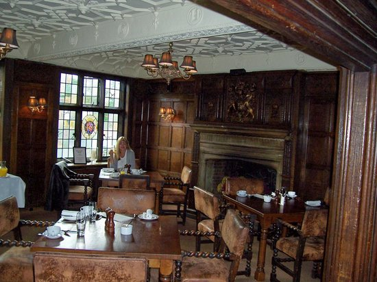 The Crown Inn: dining room