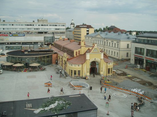 Hotel Rantasipi Atlas: View of the market place and market hall from the 5 th floor