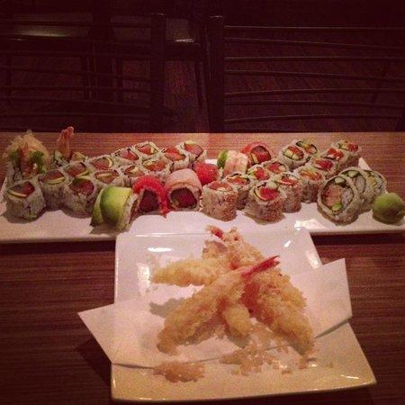 Enso: Shrimp tempera and amazing sushi!