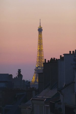 Hôtel Trianon Rive Gauche: Beautiful sunset from our window