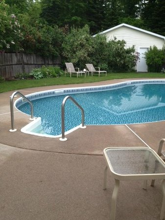 LaRose Wellness Retreat: Outdoor heated swimming pool
