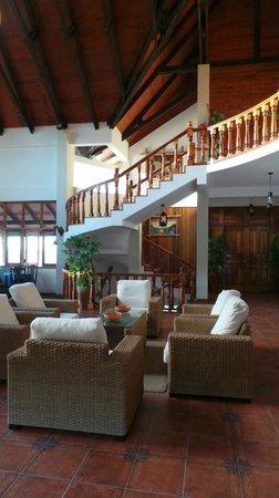 Patatran Village Hotel: Patatran, ресепшн