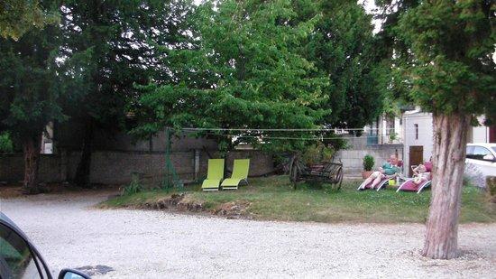 Hotel Picardy: Garden