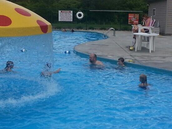 Kalyumet Campground: The pool