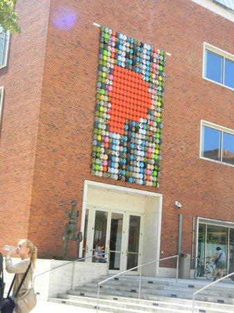Portland Art Museum: Bike helmet sculpture over one of the entrances!