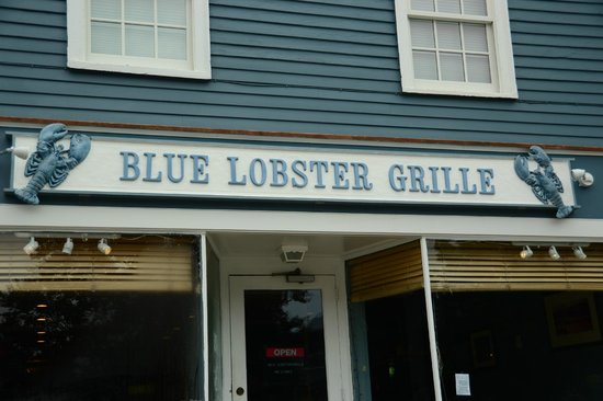 Blue Lobster Grille : Great View...Food Pretty Good...Service needs attention