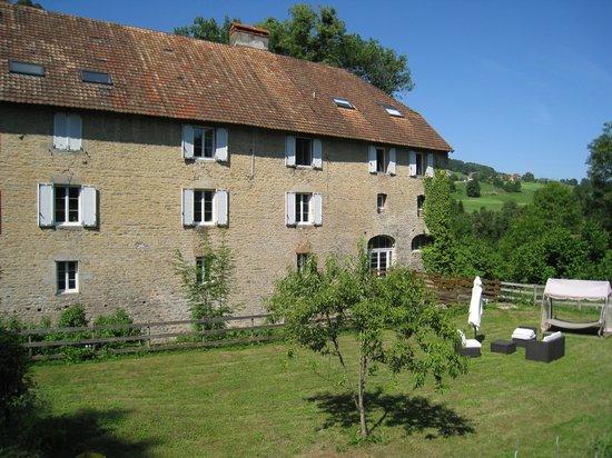 Moulin Chantepierre: Côté jardin