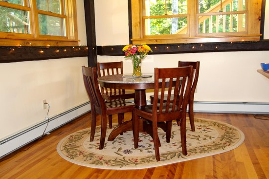Franconia Notch Guest House : Dining area
