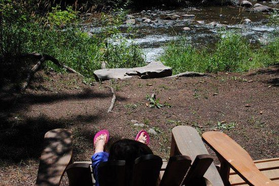 O-Bar-O Cabins: View from the flower girl's chair - Ponderosa