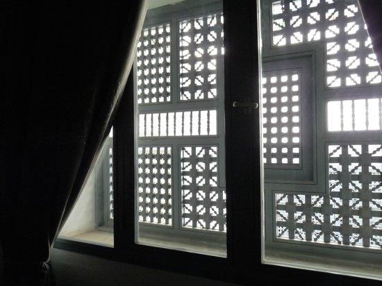 Riad Origines : fenêtre de la chambre Khaït