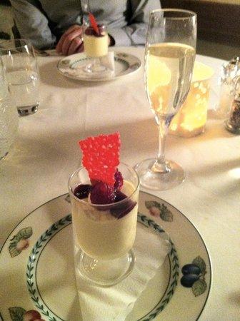 Hotel Allalin : Amazing dessert