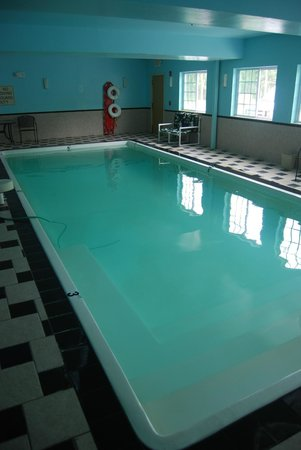 Clarion Inn & Suites Atlantic City North: indoor pool clarion Absecon