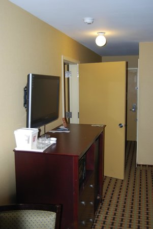 Clarion Inn & Suites Atlantic City North: connecting door Clarion Absecon