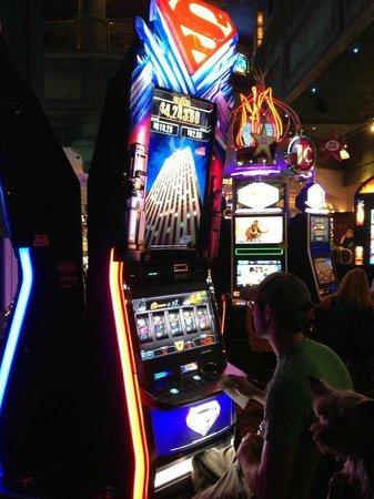 Circus Circus Casino: Slot shot...Five Dollars won $100