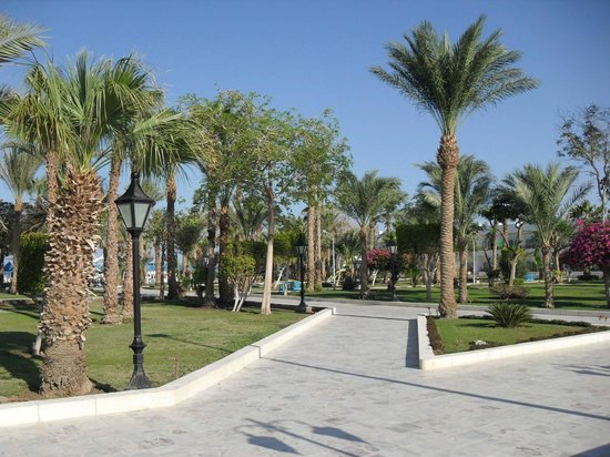The Grand Hotel Hurghada: Hotel grounds