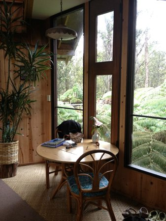 Treehouse Skye: Lovely breakfast table