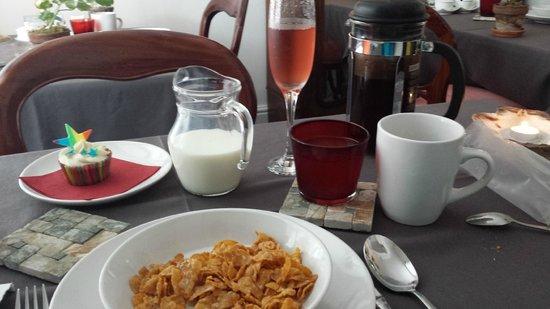 27 Brighton Bed & Breakfast: Pride Breakfast