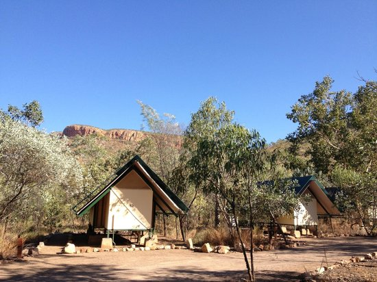 Emma Gorge Resort: outside the tent