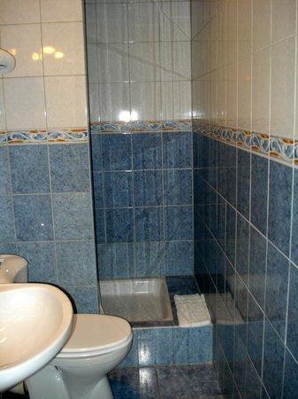 Hotel Briand: salle de bain