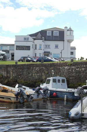 Best Western Kinloch Hotel: The small harbour