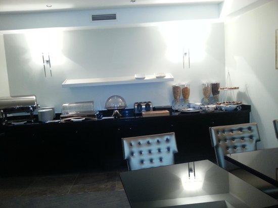Hôtel des Princes : 1ere salle de petit déjeuner
