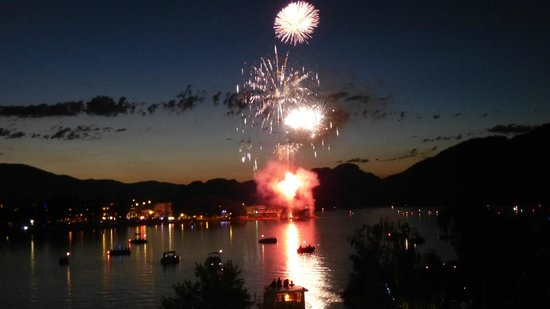 Holiday inn Hotel & Suites: July 1 fireworks