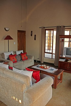 Hoedspruit Wildlife Estate : Open plan living area