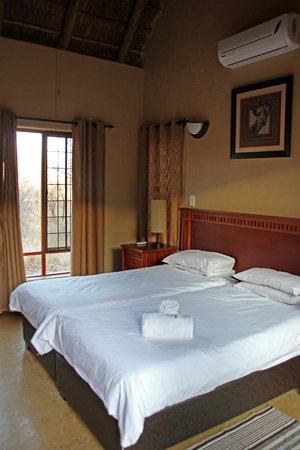 Hoedspruit Wildlife Estate : Bedroom (2 of 4)