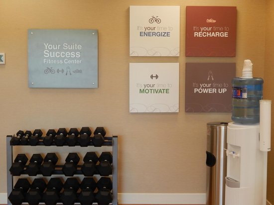 Comfort Suites Bozeman: Fitness Center - Free Weights!