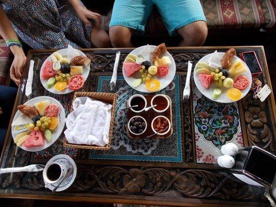 Hotel Bella: Breakfast