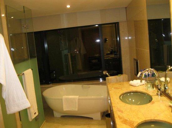 Soaking tub in room