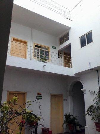 Hotel Maser: inner courtyard.