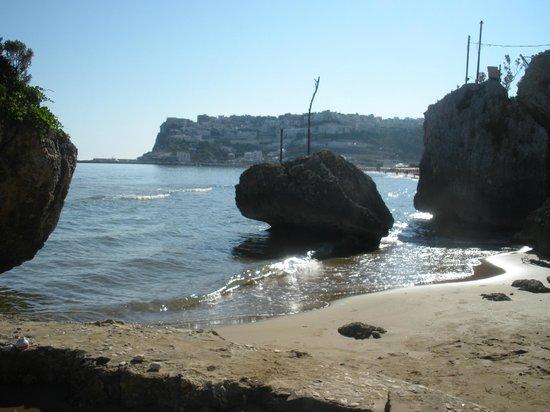 Village Ialillo : Parte della spiaggia di Peschici
