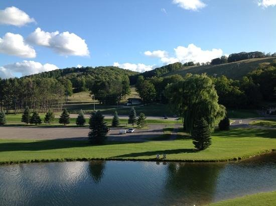 Mountain Grand Lodge and Spa: View from our balcony.