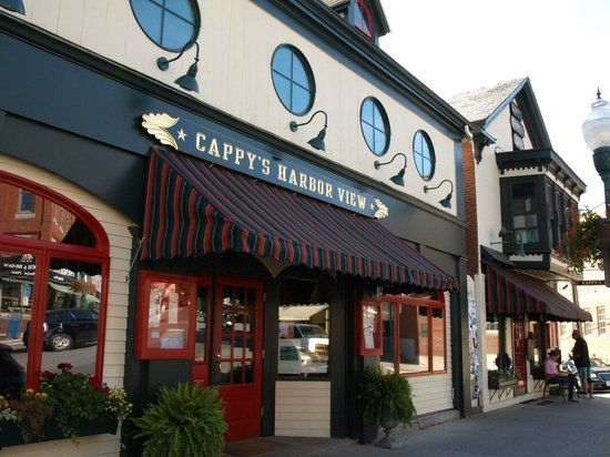 Cappy's Chowder House : Cappys, including the new section