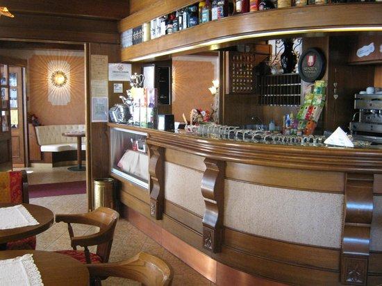 Hotel Europa: Bar e sala intrattenimento