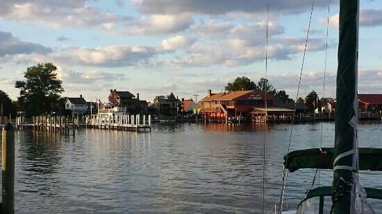 Town Dock Restaurant : View from the outdoor side bar.