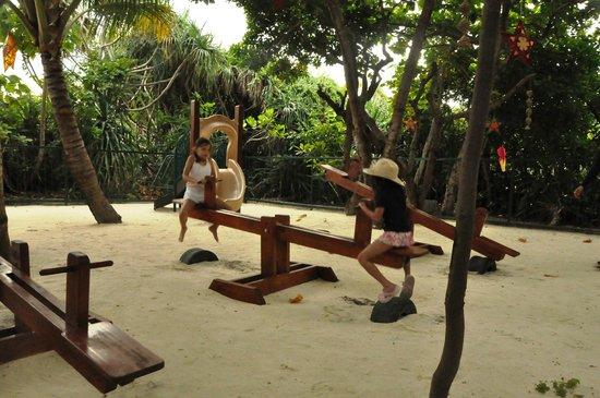 Amanpulo: Children Playground