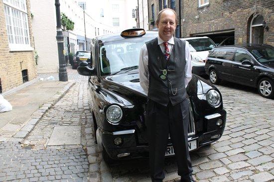 """ลอนดอนแบล็กแท็กซี่ทัวร์ - ไพรเวททัวร์: """"Michael"""""""