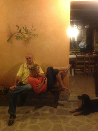 Poggio della Volara: Marco and Gaiva relaxing with us after dinner