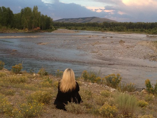 R Lazy S Ranch : Sunset on Snake River adjacent to ranch