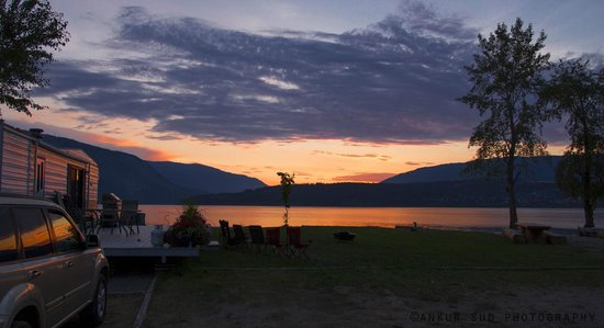 Salmon Arm, Canadá: View from Site no:1 at Sandy Point Beach Campground, BC