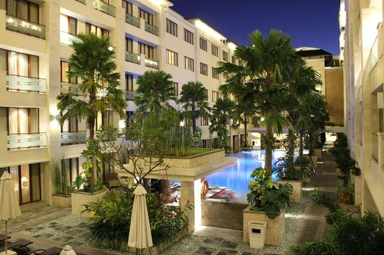 Aston Kuta Hotel & Residence: Picture Perfect - Amazing at Night!