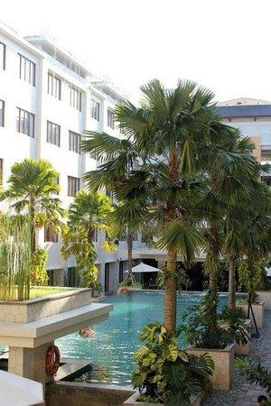 Aston Kuta Hotel & Residence: Simply Stunning!