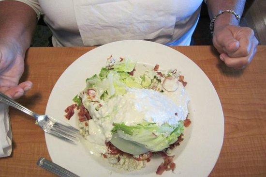 Ray's Lobster Landing: Special Salad