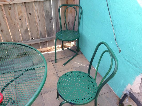 Fire Water Lodge: chairs on patio falling apart