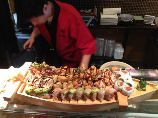 Kiku Sushi : boat combo